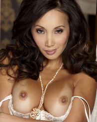 Katsuni flaunts her smoking hot body in full lingerie set